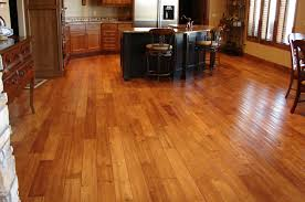 Laminate Flooring Vs Tile Laminate Floor Refinishing Assetswood Flooring Wood Cream Idolza