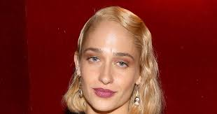jemima kirke u0027s haircut was due to a rough patch in her marriage