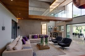 modernes wohnzimmer mit kamin dekoration kaminöfen mit sitzbank