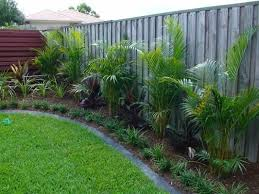 Florida Backyard Landscaping Ideas by Best 25 Small Backyard Gardens Ideas On Pinterest Small
