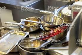 cuisine sale cuisine de restaurant détendezvous avec des plats en métal sale