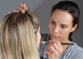 how to become a pro makeup artist what is a freelance makeup artist with pictures