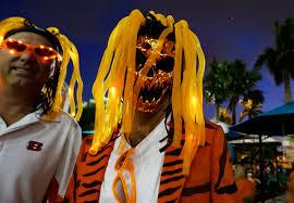 cincinnati bengals halloween costume a fake dan will do nfl halloween costumes espn