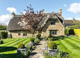 country cottage thatched self catering country cottages in