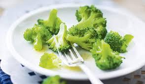 cuisiner le brocolis frais fleurettes de brocolis surgelés les légumes picard