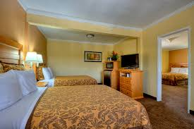 Hotel Suites With 2 Bedrooms Hotels Near To Disneyland With Free Breakfast Anaheimislander