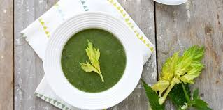 cuisiner les orties soupe aux orties et céleri facile et pas cher recette sur