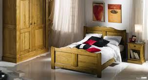 chambre chene massif chambre à coucher bois massif style rustique chambre complète