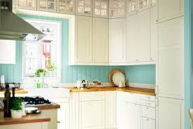 cuisine brun et blanc cuisine bois et blanche modles de credences cuisines blanches with