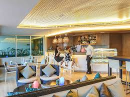 We Eat Dinner In The Bathtub Hotel In Manila L Novotel Manila Araneta Center Quezon City