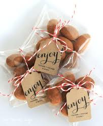 edible wedding favor ideas food favors for wedding wedding favors your guests will actually