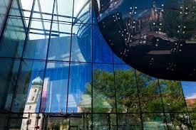 Kunsthaus Graz Get A Look At The Blob Shaped Kunsthaus Graz Art Museum