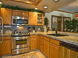 what color backsplash with honey oak cabinets kitchen backsplash ideas with oak cabinets honey oak