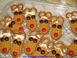 reindeer cookies and edible wreaths