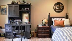 cute teen boys bedroom ideas with gray desk and chair home