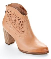 s ankle ugg boots 281 best s ugg boots images on amazon boots for