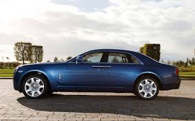 2013 rolls royce ghost revealed changes are spookily subtle