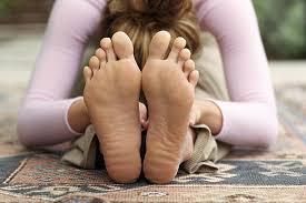 sweaty feet girl|