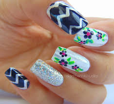 classic floral u0026 stripes nail art color the nails