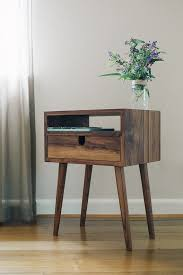 How To Make A Wooden Bedside Table by Best 20 Wooden Bedside Table Ideas On Pinterest Tree Trunk