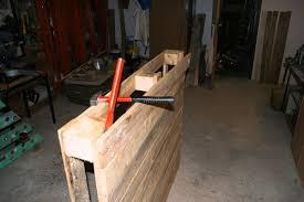 lit avec des palettes tête de lit en bois de palette petites bricoles en bois et cie