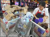 Supermercados chineses retiram laticínios das prateleiras