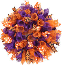 tutorial 10 steps to make a full curly mesh wreath by julie