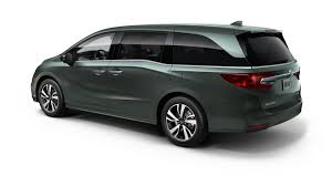 honda 2018 honda odyssey steps up to the new minivan battle