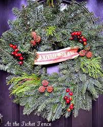 Christmas Fence Decorations Fence Decorations Ideas For Christmas Home Decor 2017