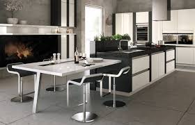 produkte stormer our newest most innovative kitchen design it is based on our handleless linea orrizontale kitchen with a completely new frontal appearance
