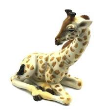 out of africa by sitting giraffe figurine ornament lp26511 ebay
