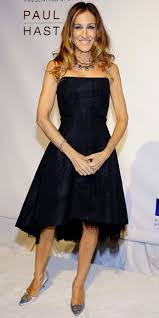 sarah jessica parker in a black strapless cocktail dress with