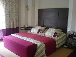 chambre à coucher violet emejing chambre a coucher moderne mauve et noir pictures