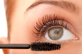 Does Vaseline Help Eyelashes Grow Inexpensive Beauty Tricks Only Stylists Know Reader U0027s Digest