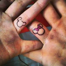 couple tattoo mickey mouse minnie mickey mouse disney tattoo èrdekes ès jô pinterest