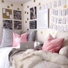 coussin chambre fille déco chambre fille ado en or et compagnie en quelques idées chics