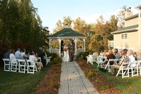 small wedding ceremony no center aisle by choice weddingbee