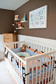 kinderzimmer wandgestaltung in braun kinderzimmer baby braun beige kogbox braune wandfarbe