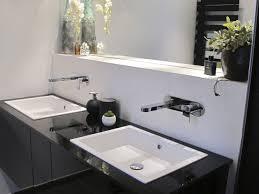 salle de bain avec meuble cuisine renovation salle de bain grand meuble suspendu avec doubles lavabo