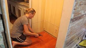How To Pull Up Carpet From Hardwood Floors - removing tack strips easily with a pry bar and a hammer youtube