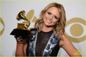 miranda lambert engagement ring miranda lambert celebrates best country album win at grammys 2015