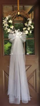 how to decorate home for wedding front door at the bridal shower cute idea for someone planning a
