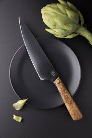 silvergrains photography knife on a plate