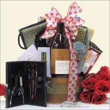 Mens Valentines Gifts 28 Best Valentine U0027s Day Basket Ideas Images On Pinterest
