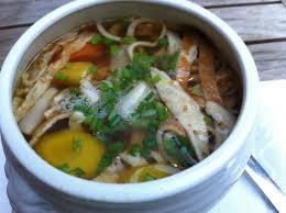 cuisine autrichienne saveur indigo frittatensuppe ou soupe autrichienne aux crêpes