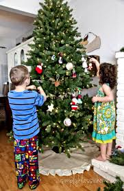 Ideas Decorating Christmas Tree - christmas tree decorating ideas for kids rainforest islands ferry