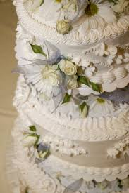 how to decorate a wedding cake idea in 2017 bella wedding