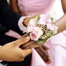 Prom Corsages Make Your Prom Even More Memorable With Homemade Corsages And
