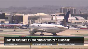 United Airlines Bag Policy by United Airlines Charging Extra Fees For Oversized Carry On Luggage