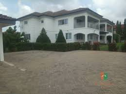 5 bedroom house with 2 bedroom boys quarters for sale at airport